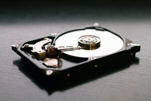 The latest second quarter failure report of 170000 hard drives released